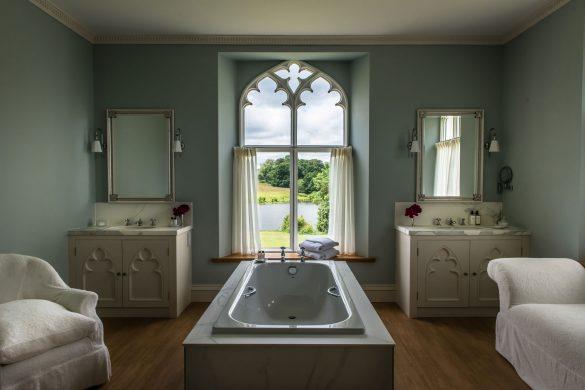 North-Wing---Salamanca-Suite-bathroom