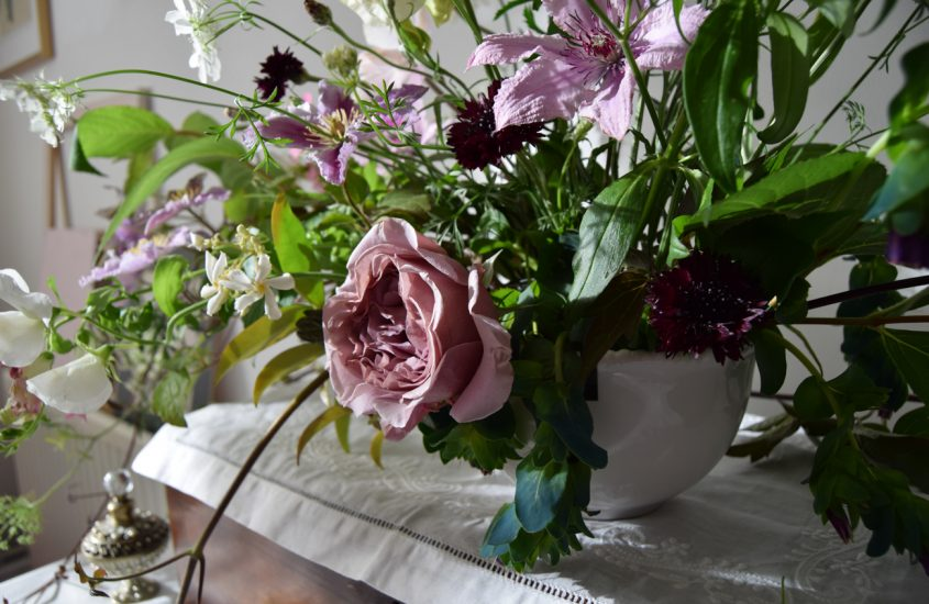 For the Love of Flowers – Using Flowers in Interior Design